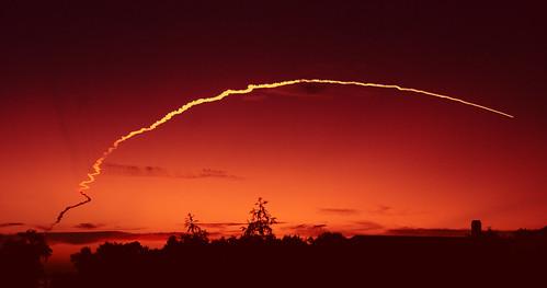 florida space satellite delta rocket capecanaveral launch airforcestation nikon18200mmvr nikond80 capturenx2 deltaiirocket finallaunch satellitedeploymentmission historicrocketlaunch