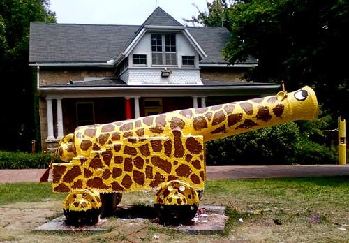 Giraffe Cannon