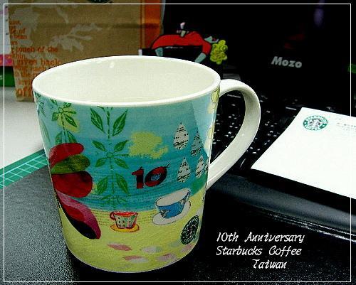 Starbucks十週年馬克杯(彩色蝴蝶)