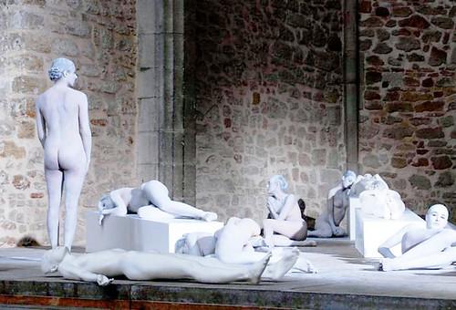 Vanessa Beecroft, sculture viventi, arte moderna ...Palermo by danielelive§! restiamo umani e vivi lol!