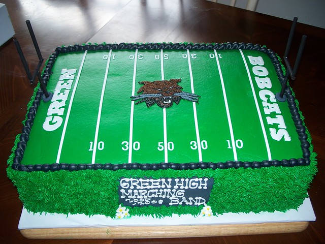 Football Cake Decorating Ideas How To Make : Football Field Cake Flickr - Photo Sharing!