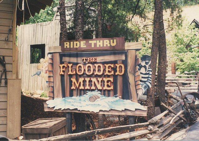 the flooded mine ride dollywood amusement park pidgeon f