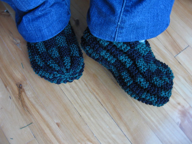 Knit Slippers Pattern Free : Knitted Patterns For Slippers - Pattern Collections