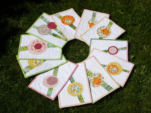 11 of the 12 lolypop flower miniquilts
