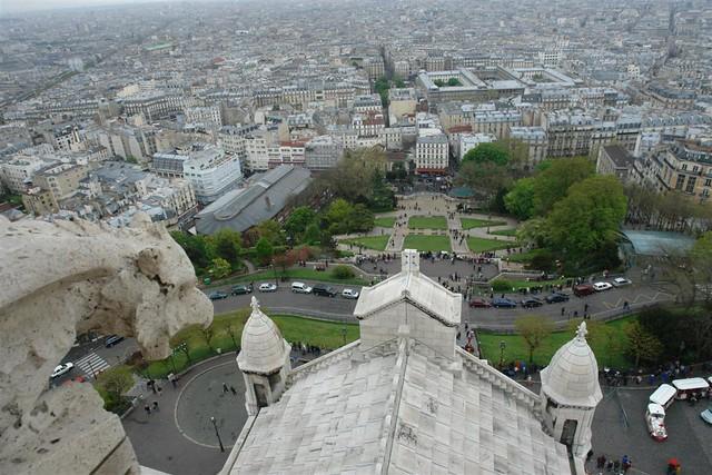 Las Gárgolas son los eternos vigilantes de todo lo que sucede en la Basílica y en la ciudad. Sacré Coeur, el balcón más bello de París - 2669324842 61184c12cf z - Sacré Coeur, el balcón más bello de París
