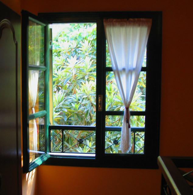 Small Window Curtain Ideas Living Room