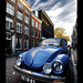 VW Volkswagen Beetle, escarabajo, cucaracha, poncho, cepillo, maggliolino... at Utrecht streets!! by B'Rob