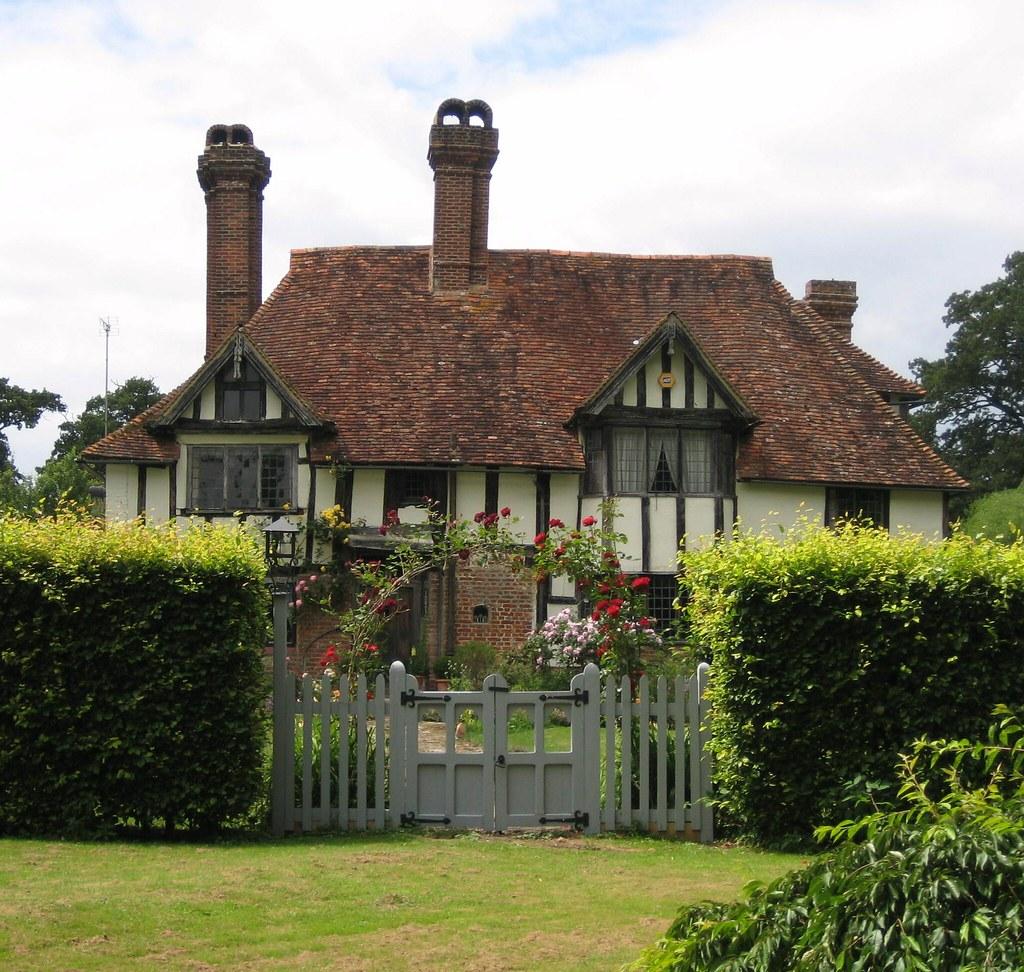 English Cottage Village: Pluckley Circular Walk