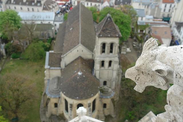 Iglesia de Saint Pierre de Montmartre vigilada por las siniestras Gárgolas. Sacré Coeur, el balcón más bello de París - 2669325912 f66f691798 z - Sacré Coeur, el balcón más bello de París