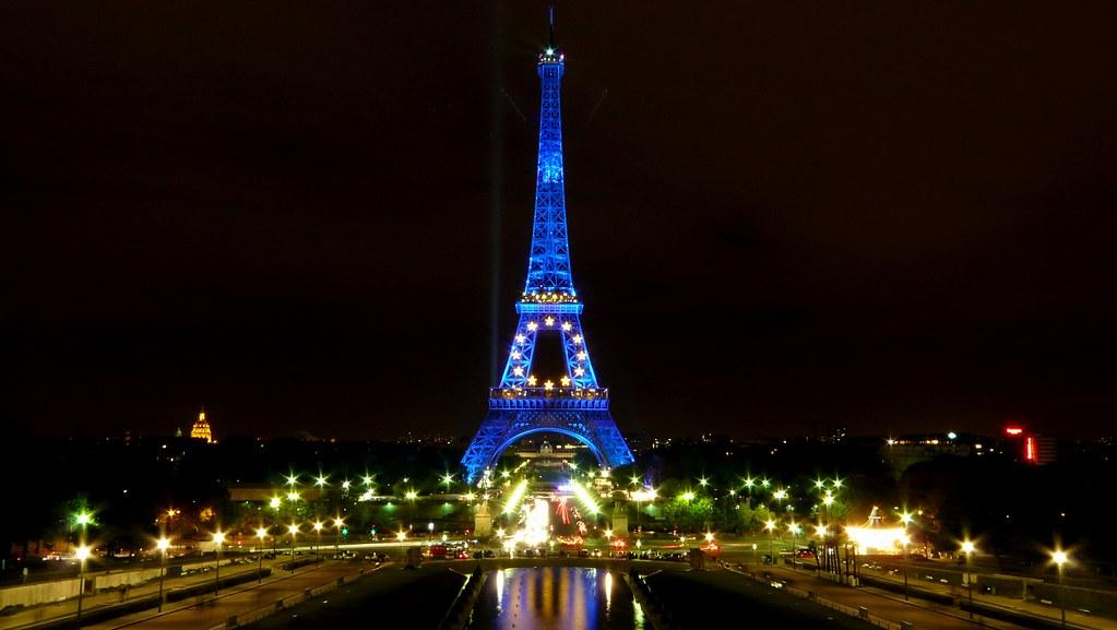 Paris nuit blanche for Piscine de nuit paris