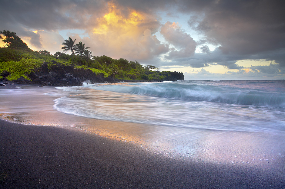 Waianapanapa Sands - Maui