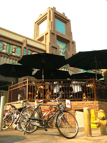 "Branding Urth Caffe as ""Bicycle Friendly"" with a Flying Pigeon"