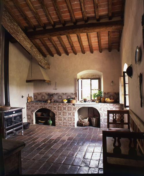 A rustic italian farmhouse the style files Rustic tuscan house plans