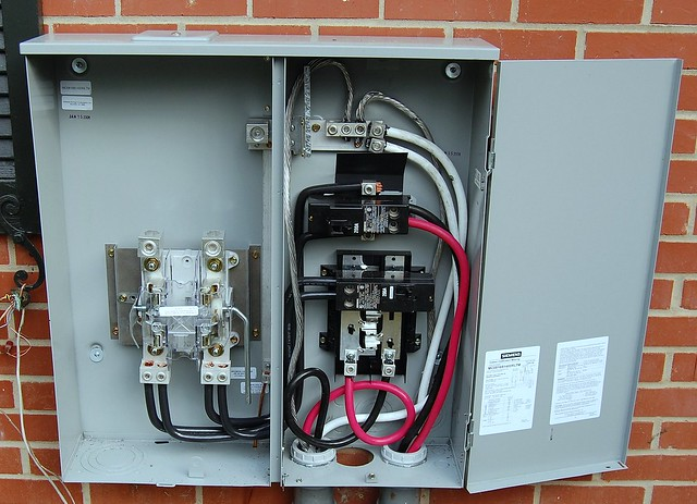 400 amp service at Reeves House | Flickr - Photo Sharing!
