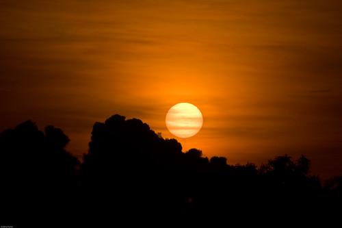 trip sunset orange sun india cloudy south may kerala hazy 2008 underexposed trivandrum southindia thiruvananthapuram ontripod kazhakootam canon40d keralatrip2008 kazhakuttam