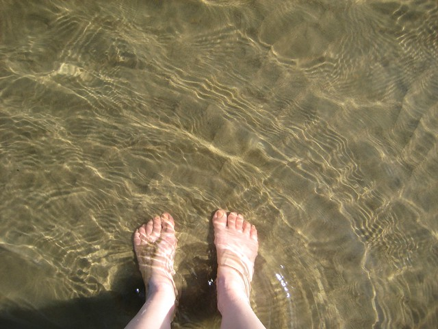 Cooling my toes in the South Saskatchewan river