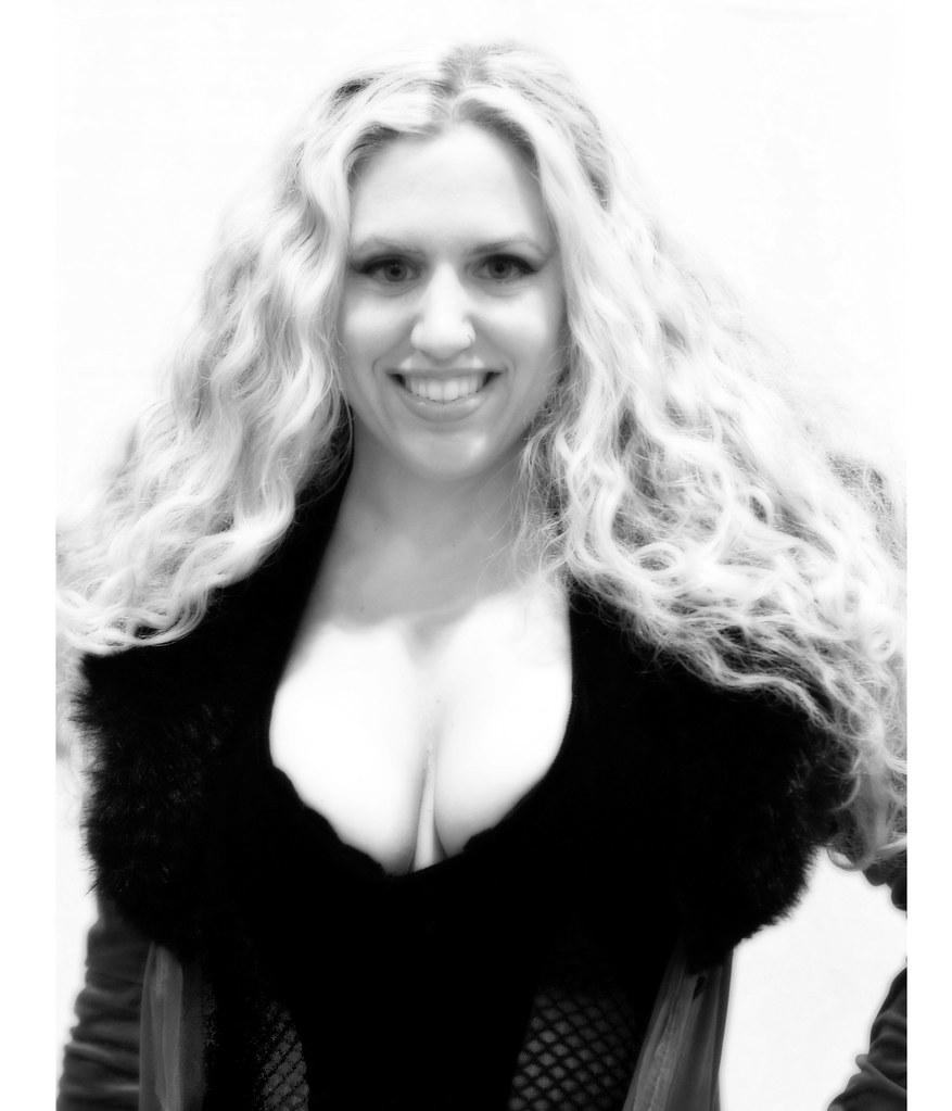 Melantha Blackthorne Nude Photos 38