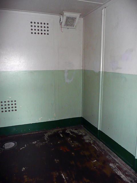 Inside Alcatraz The Hole Alcatraz The Ho...