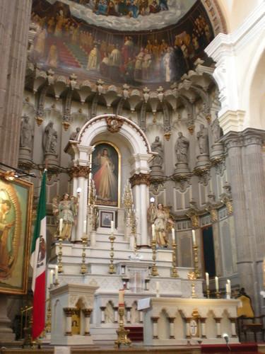 La Compañía - altar