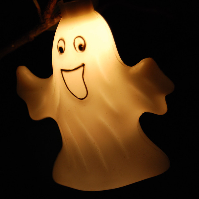 nice ghost in our tree | Ghosts, like ladies, never speak ...