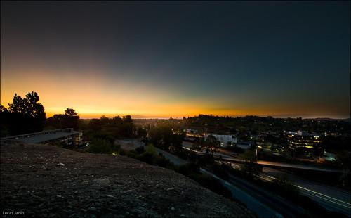 california sky usa night sunrise iso200 losangeles nikon f16 ciel nikkor nuit lightroom eaglerock lightstream 14mm 13sec nikond700 lucasjanin afsnikkor1424mmf28ged