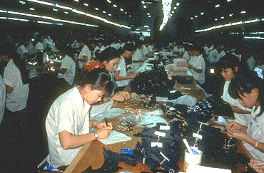 2696481661 6f7bf22986 jpgSweatshop Living Conditions