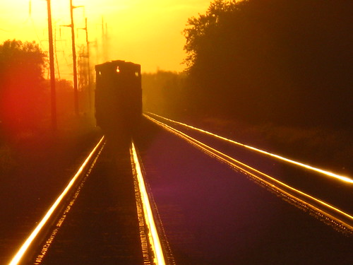 railroad sunset train evening rail loco iowa transportation unionpacific locomotive westbound nightfall cedarrapids