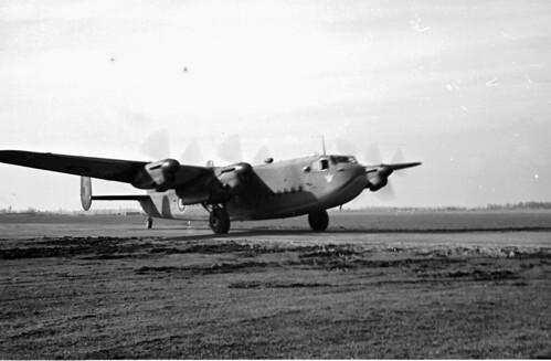 Avro York 06