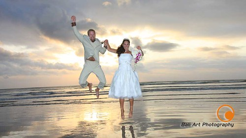 How much should you pay for a wedding for How much should i pay for a wedding photographer