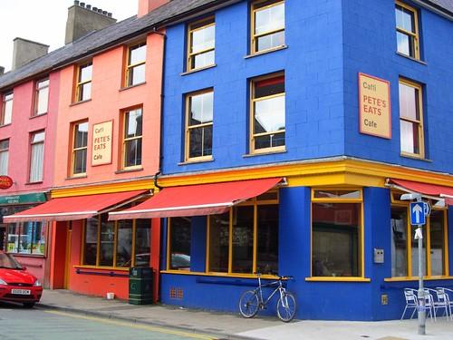 Llanberis coloured houses