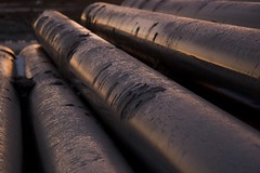 wood(0.0), line(0.0), pipe(1.0), metal(1.0), close-up(1.0), iron(1.0),