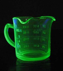 Depression glass, vaseline glass measuring cup