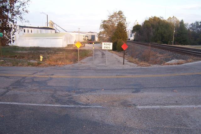Quasi-abandoned National Road