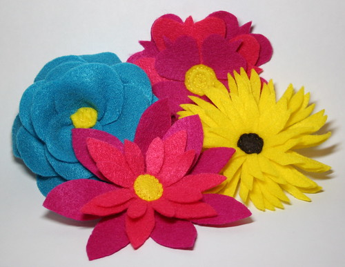 Felt flowers | by *mia*