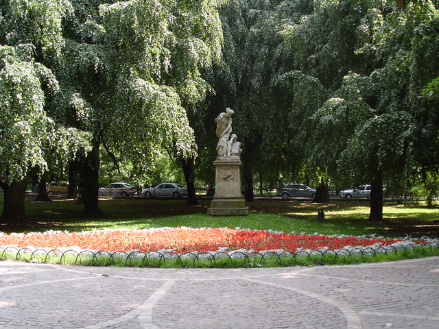 Statue in Planty