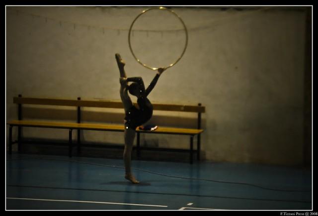 Ballerina con cerchio