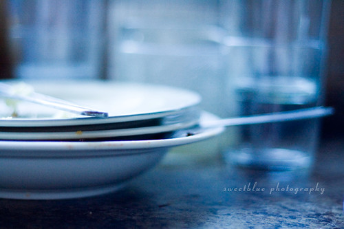 dirty dishes bokeh