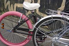 ピンクのタイヤ