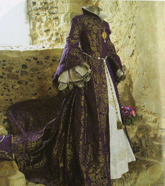 Flickriver for Tudor style wedding dress