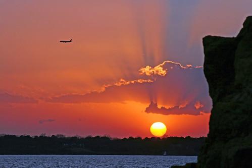 sunset cliff sun lake airplane texas 101 dfw soe gaylord grapevinelake grapevinetexas grapevinetx lightningbugcreek amyspivey