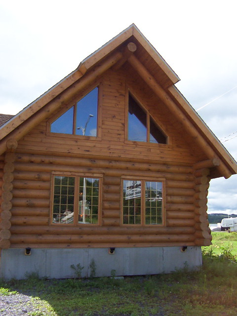 Maison en bois rond flickr photo sharing for Maison en bois ronde