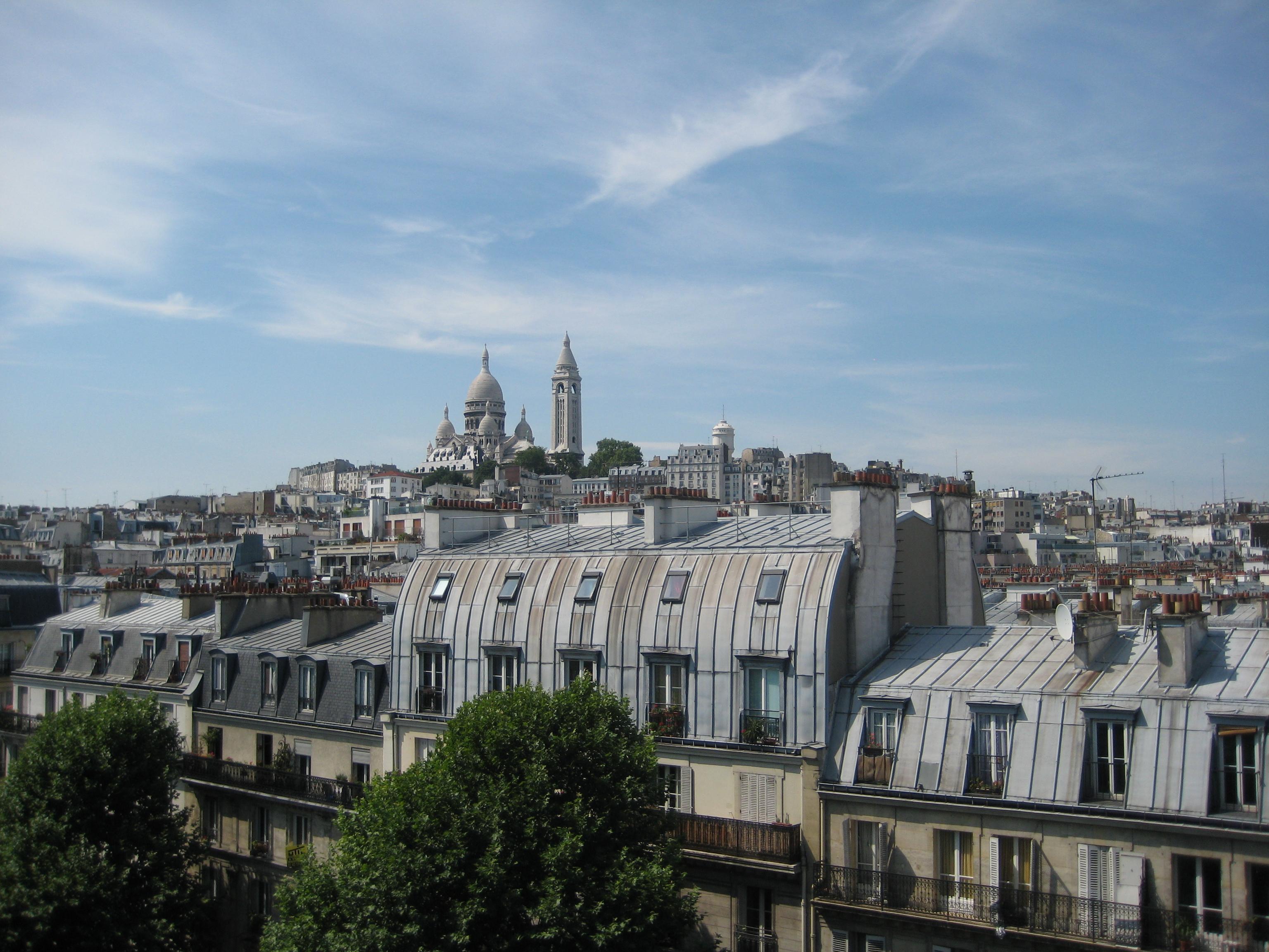 Les toits de paris vue sur le sacr coeur flickr - Maison de l islande paris ...