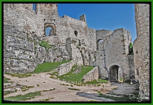 blue sky building tower castle history nova grass stone wall architecture clouds town big ancient nikon ruins europa europe view fort path hill landmark medieval unesco age romania keep historical slovakia walls middle fortifications stronghold fortress hrad spissky worldheritage ves slovak cosmin mures dragos fastness spisskyhrad spis reghin slovacia podhradi zipserburg spisske spisska spiski anawesomeshot olariu patrimoniu spišcastle szepesivár