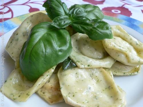 Ravioli mit Ricotta Basilikum-Füllung