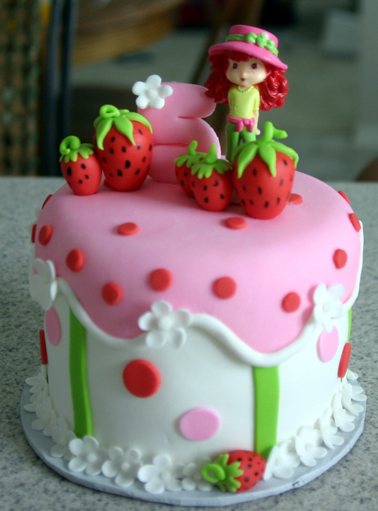Strawberry Shortcake Individual Cake A Photo On Flickriver