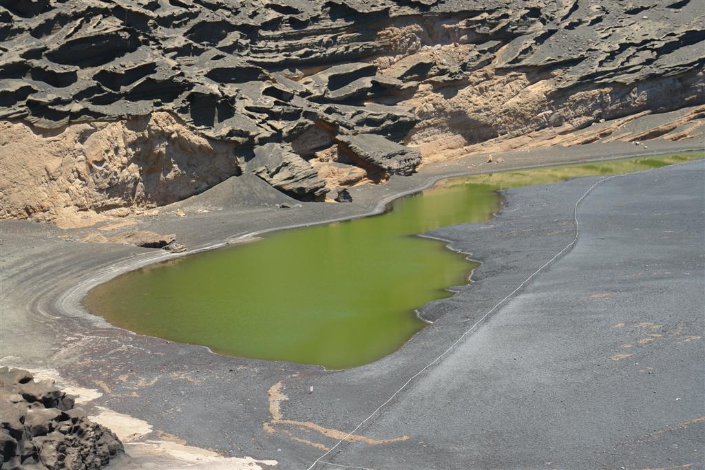 Lago verde o laguna clico en el golfo Lanzarote lugares que visitar en lanzarote - 2692498528 844805f0d8 o - 5 increíbles lugares que visitar en Lanzarote