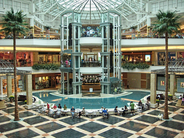 The Somerset Collection, Troy, Michigan. 24K likes. Somerset Collection is the epicenter for luxury retail. Neiman Marcus, Nordstrom, Saks Fifth Avenue.