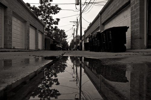 chicago reflections blackwhite alley nikon banias d90 benchorizo