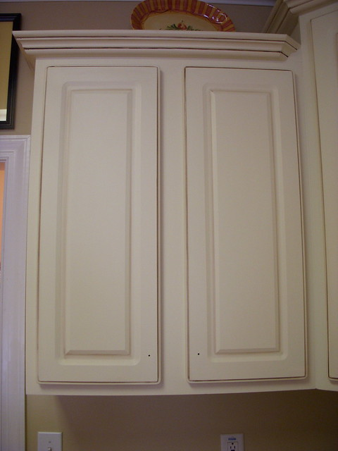 Cream Cabinets With Chocolate Glaze Cream Painted