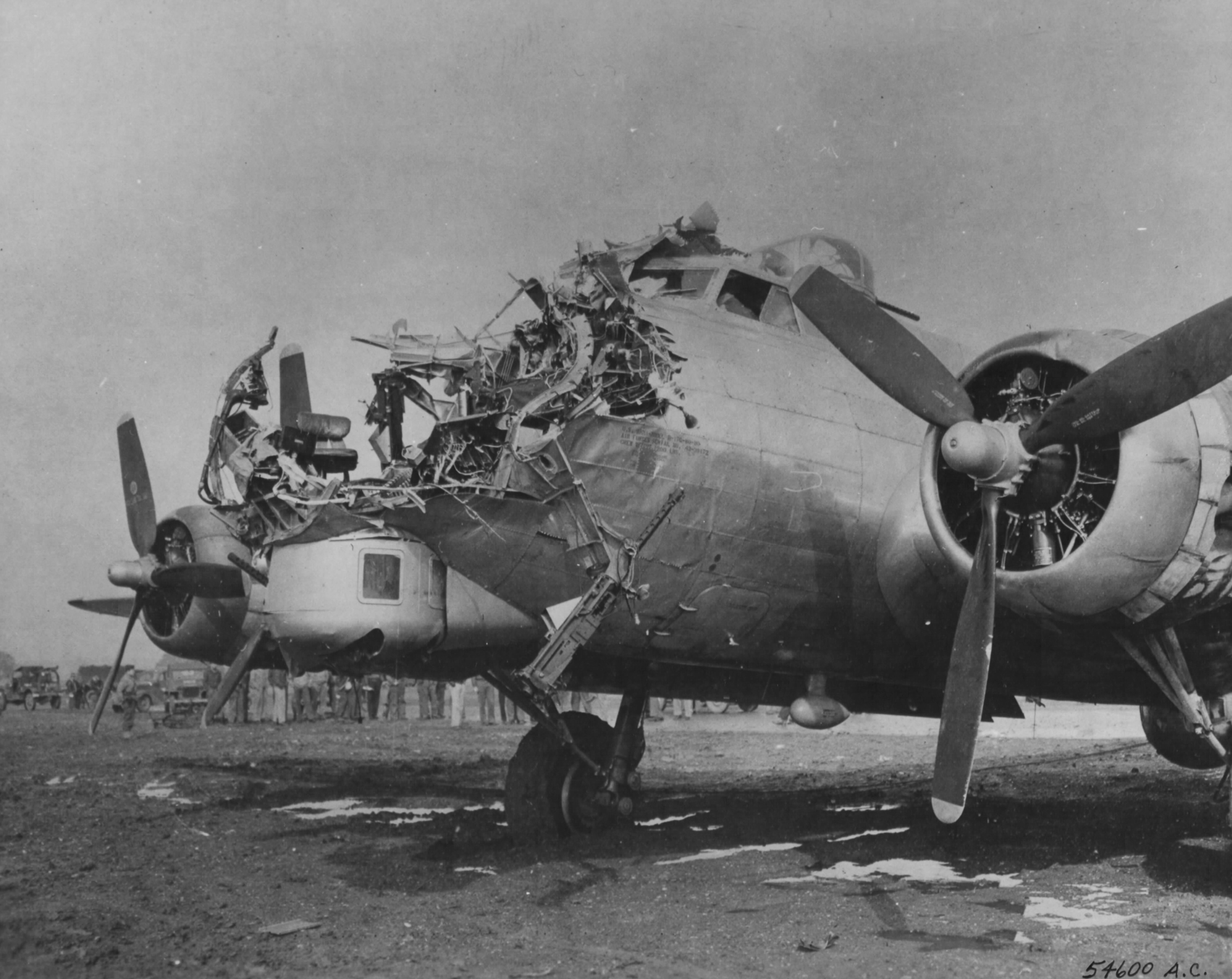 B-17 after a direct hit from an 88mm AAA shell : Warthunder